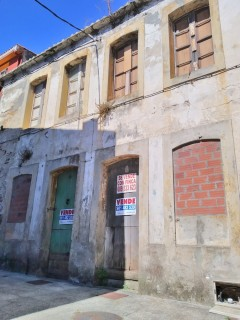 House to rehabilitate, with farm, in the old town of Cedeira - A Coruña