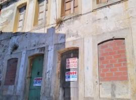 Casa para rehabilitar, con finca, en el casco antiguo de Cedeira - A Coruña