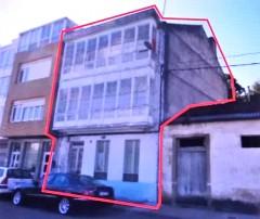 Building to rehabilitate in Paseo Arriba da Ponte, 29 in Cedeira (A Coruña)