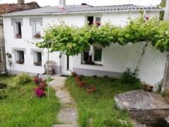 HOUSE WITH FINCA IN PLACE OR BECO, 2 CEDEIRA (A CORUÑA)